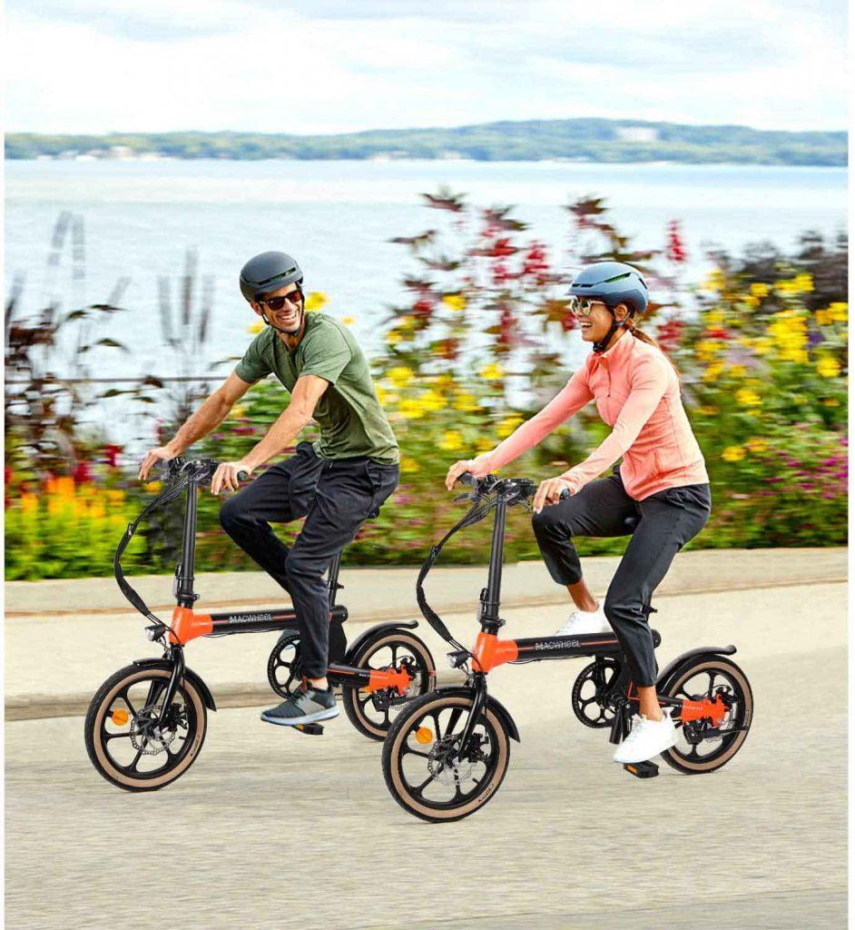 couple Macwheel Electric Bike riding